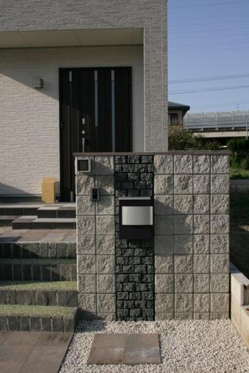 愛知県小牧市S様邸 門・アプローチ工事施工実績