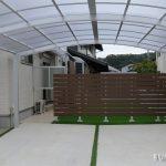 メンテナンス不要!! 快適な人工芝&天然木風フェンス